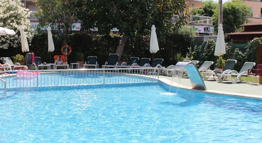 Appartementen Maristany - zwembad