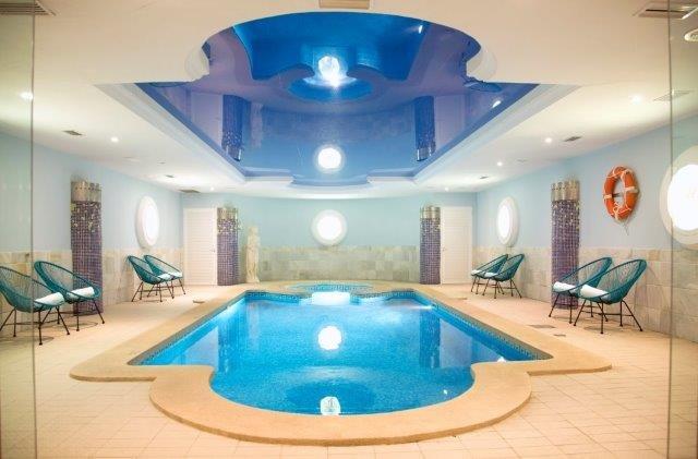 Appartementen La Pergola - binnenzwembad