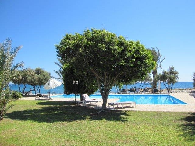 Villa Elya Beach - zwembad