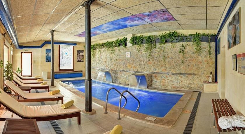 Hotel Monnaber Nou - binnenzwembad