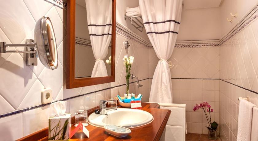 Hotel Vicenc - badkamer