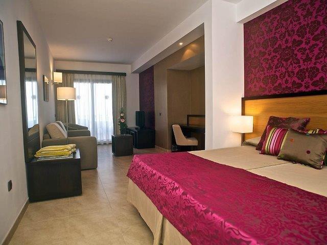 Hotel Roca Negra - slaapkamer