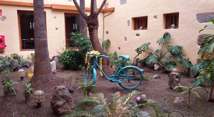 Hotel Los Camellos - tuin