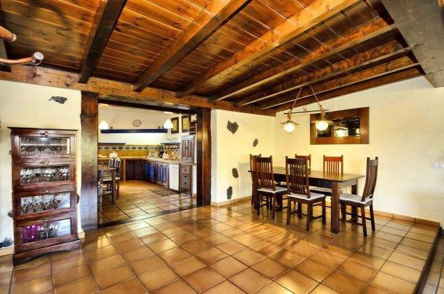 Villa Amaia 1 - eetkamer