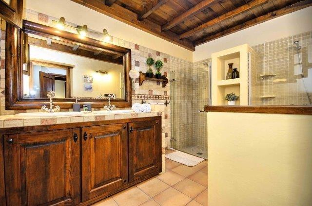 Villa Amaia 1 - badkamer