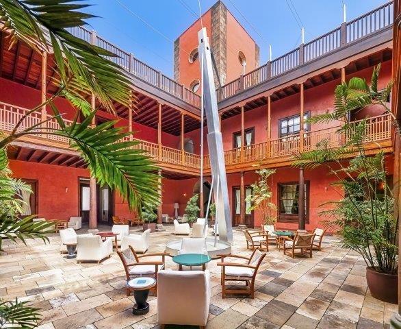 Hotel San Roque - binnenterras