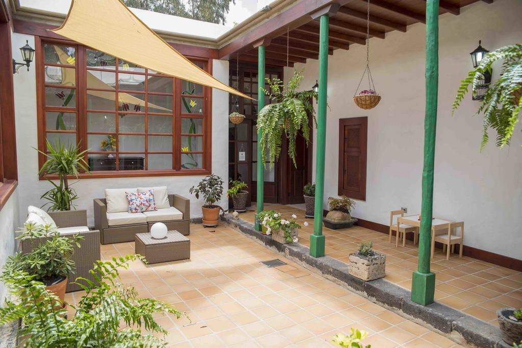 Hotel Villa Delmas - patio