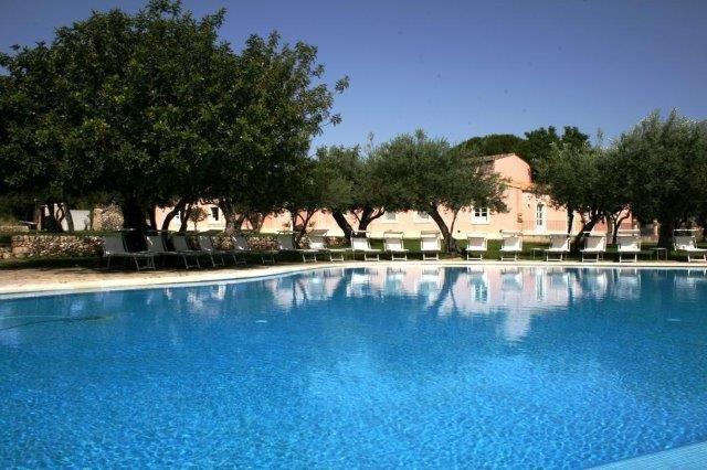 Hotel Masseria degli Ulivi - zwembad