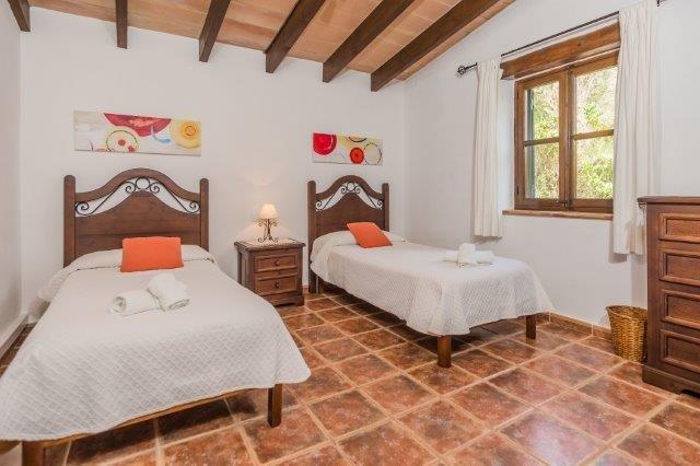 Villa Can Just - slaapkamer