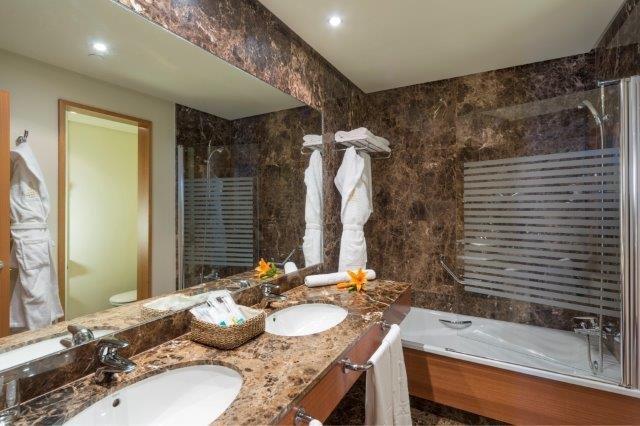 Arrecife Gran Hotel - badkamer