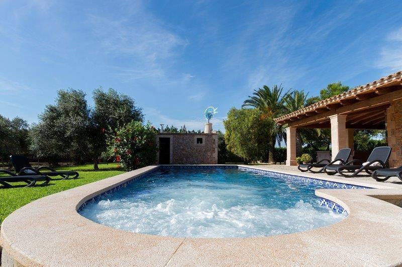 Villa Son March - zwembad
