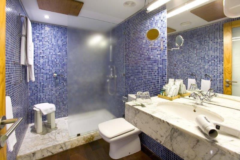 Hotel La Quinta Roja - badkamer