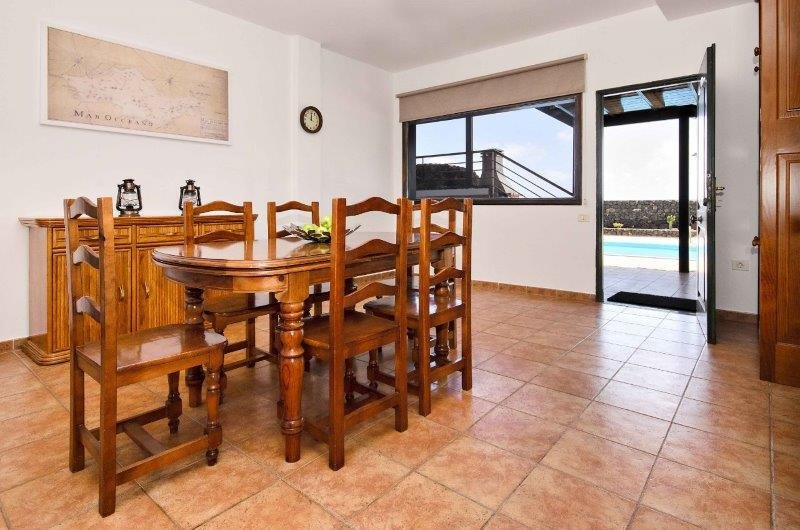 Villa Adelina - eetkamer