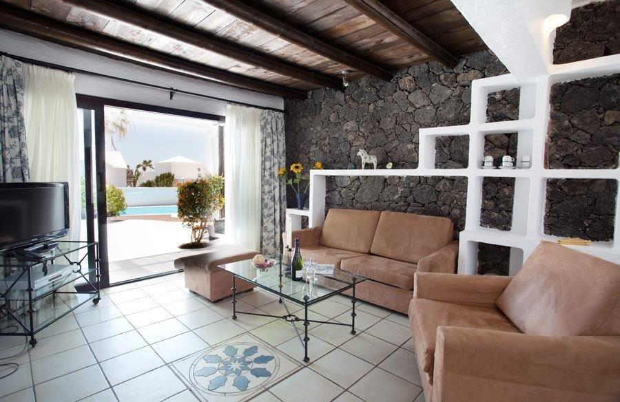 Villa Kamezi  - woonkamer