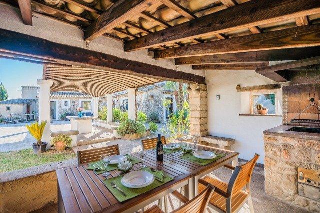 Villa Can Segui - overdekt terras