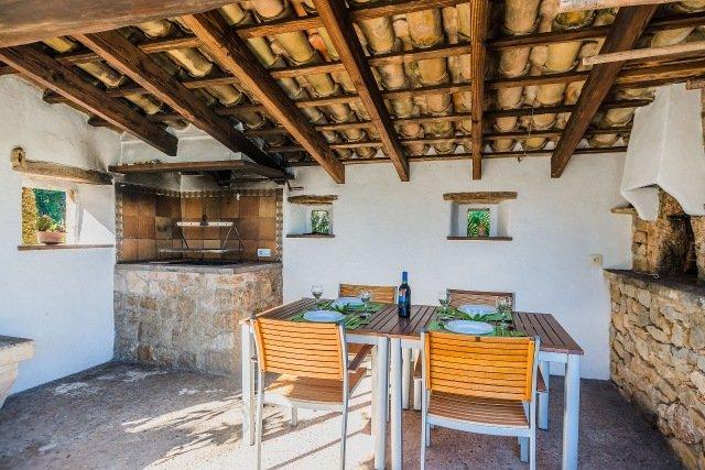 Villa Can Segui - buitenkeuken
