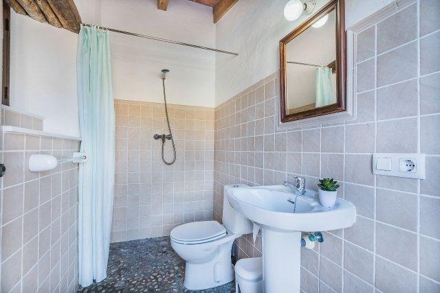 Villa Can Segui - badkamer