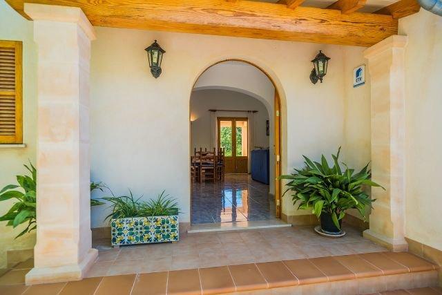 Villa Can Vich - villa entree