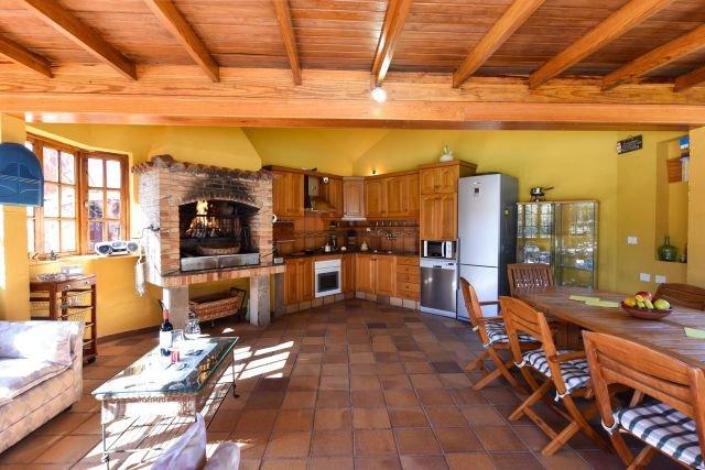 Villa Madronal - buitenkeuken en barbecue