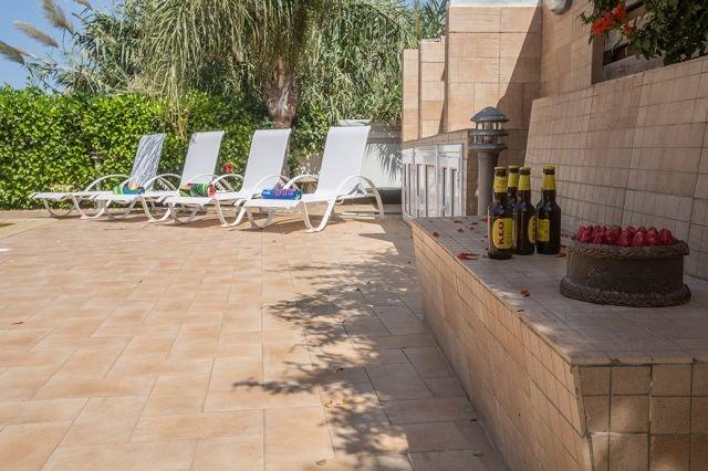 Villa Pernera - tuin