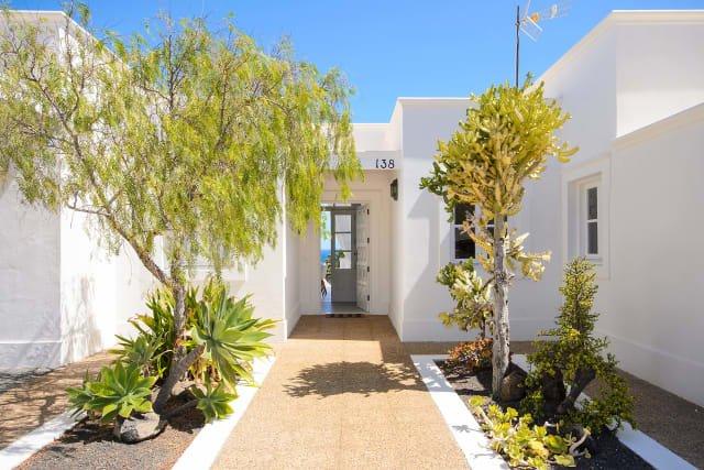 Villa del Puerto - entree villa
