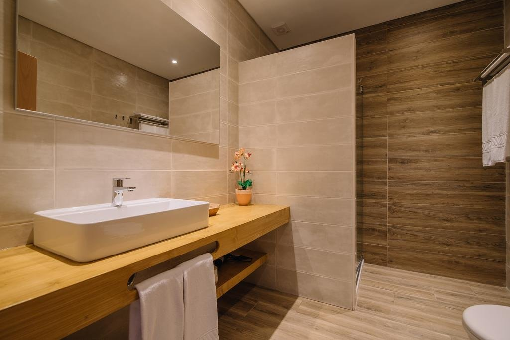 Appartementen Dos Poetas - badkame