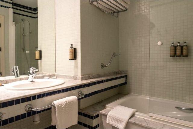 Hotel Parador El Hierro - badkamer