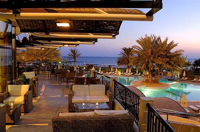 Hotel Athena Beach - terras