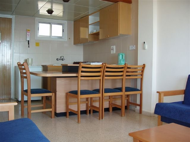 Appartementen Helios Bay - eetgedeelte