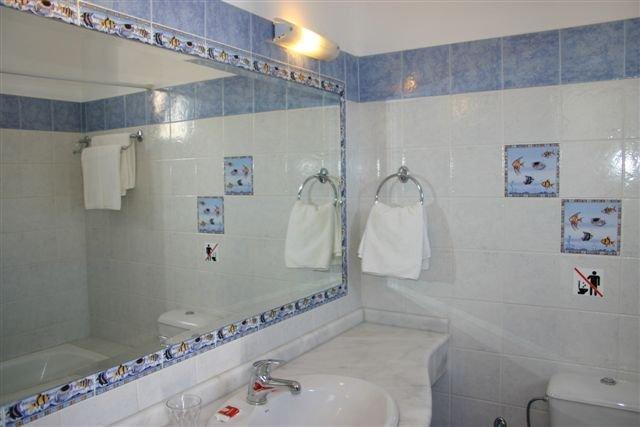 Appartementen Lindian Myth - badkamer