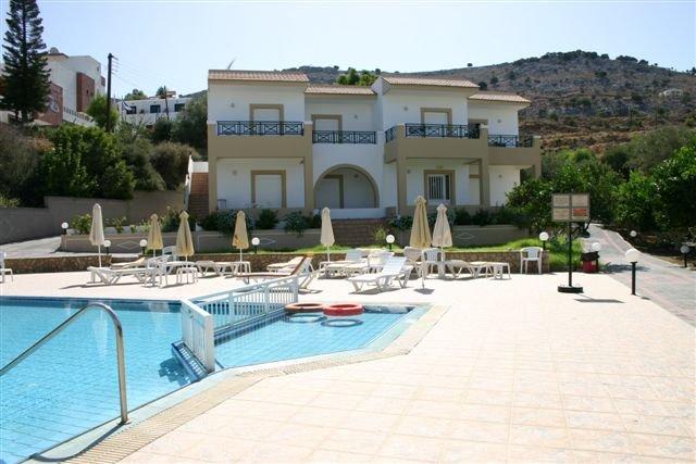 Appartementen Yota Beach -  zwembad