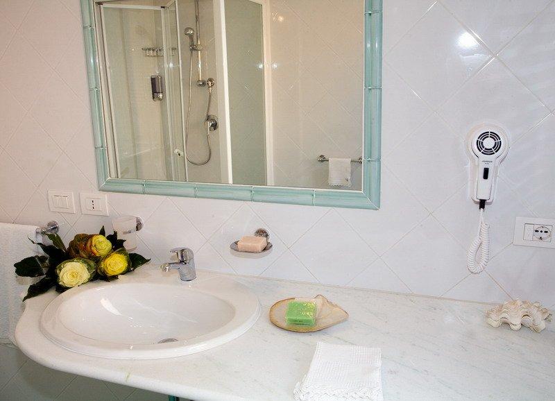 Appartementen Dei Margi -  badkamer