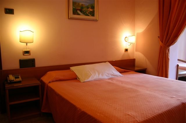Hotel Andromaco - hotelkamer
