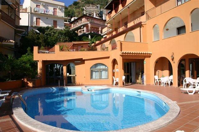 Hotel Andromaco - zwembad