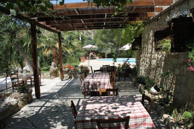 Hotel Vasilias Nikoklis Inn - buitenterras