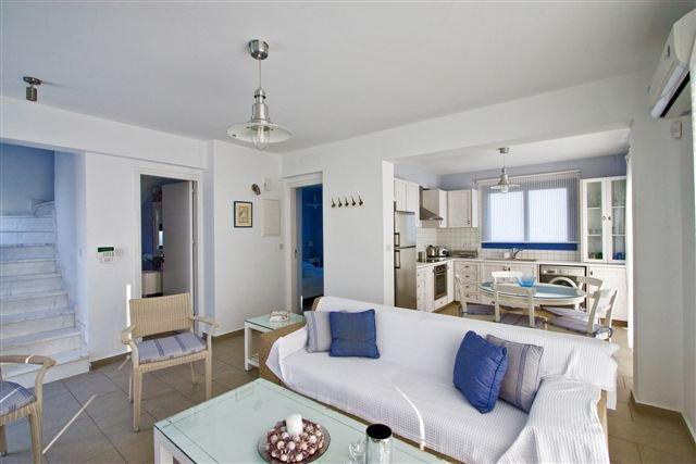 Villa Meltemi - woonkamer en keuken