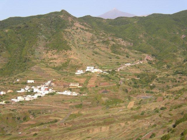 Fly-drive Tenerife - uitzicht op de vallei