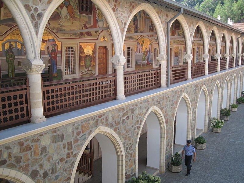 Fly-drive Kykkos - Kykkos klooster