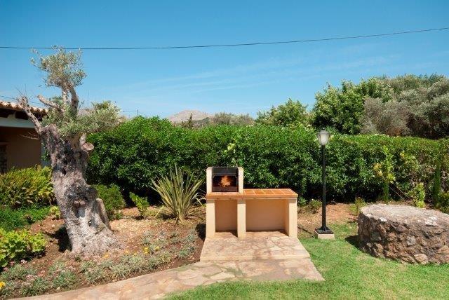 Villa El Pontarro - buitenbarbecue