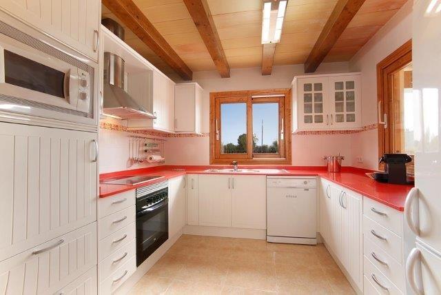 Villa Cuxach Nou - keuken