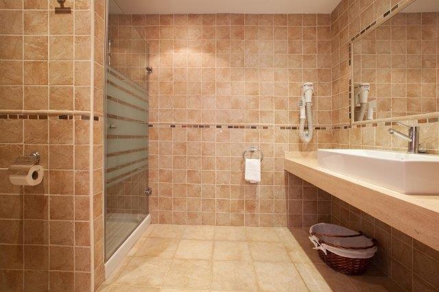 Villa Tofol - badkamer