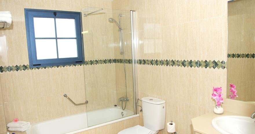 Aparthotel Rubimar Suite - badkamer