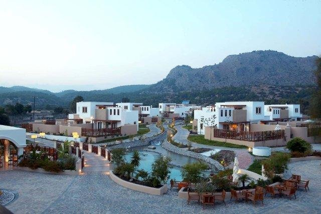 Hotel Lindian Village - park