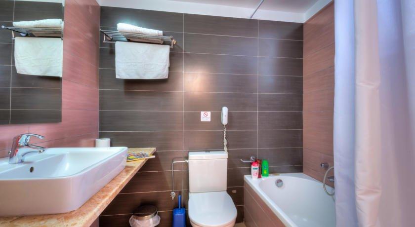 Appartementen Matina - badkamer