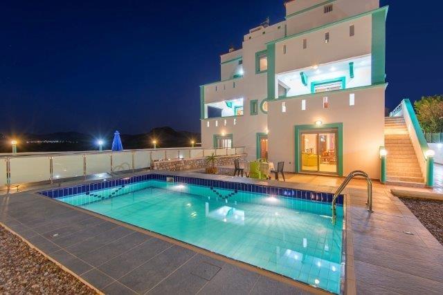 Villa Lakia - villa + zwembad