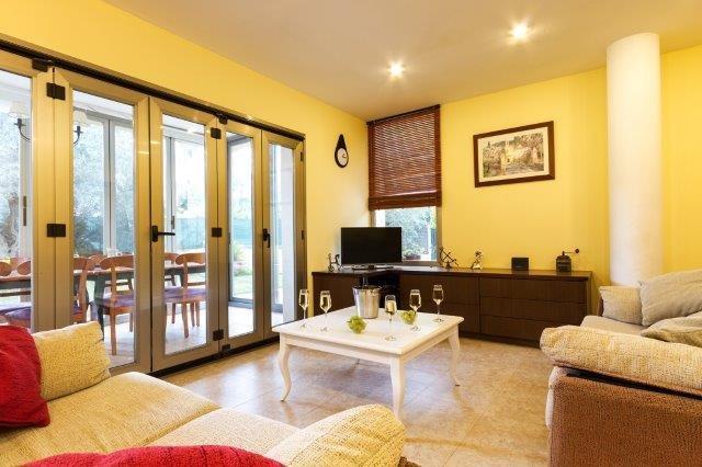 Villa Ses Oliveres - woonkamer