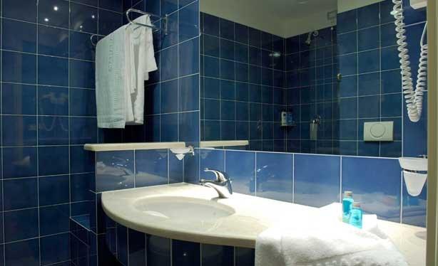 Hotel Mahara - badkamer