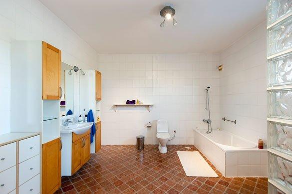 Villa Salamis - badkamer
