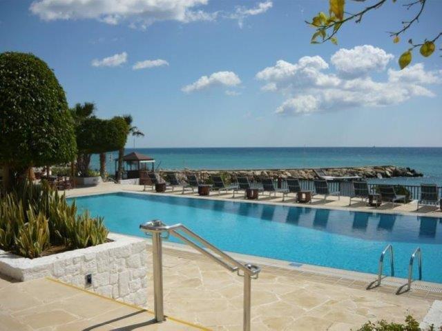 Hotel Londa - zwembad
