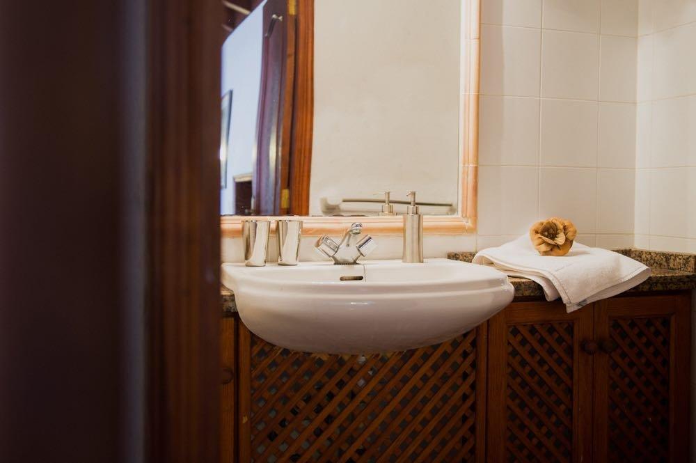 Appartementen Los Delfines - badkamer